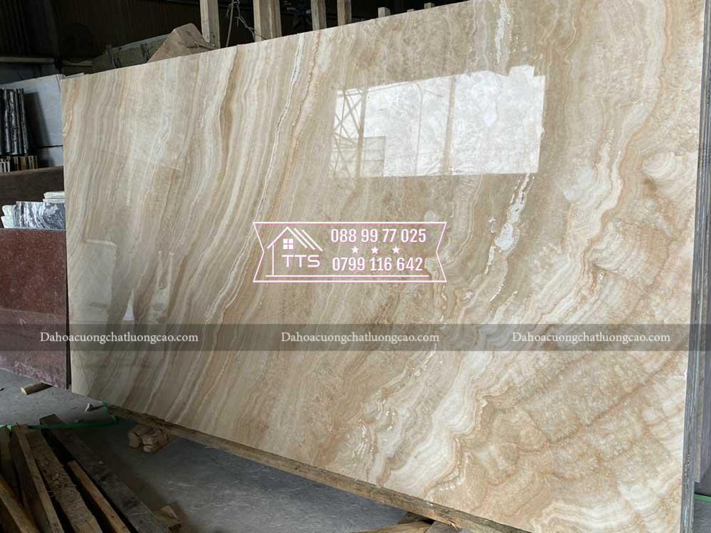 đá marble đỏ vân gỗ trong kho